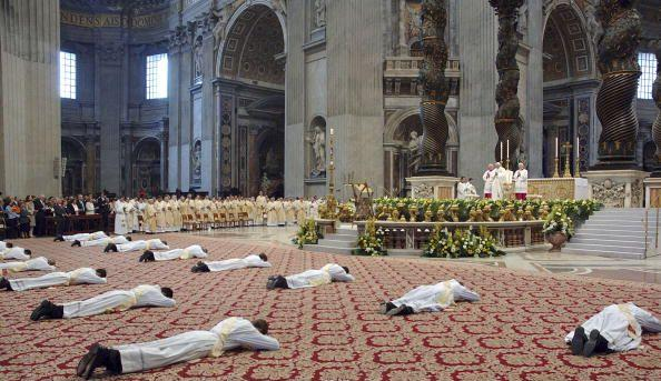 prostrate-to-pope
