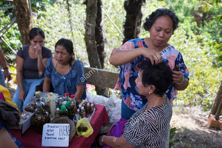 traditional-practices-being-used-by-healers-on-the-island-of-siquijorphilippines-FTA01E