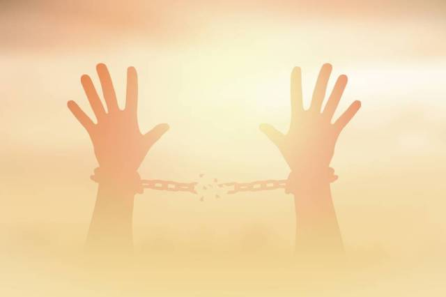 hands-breaking-chains.jpg.860x0_q70_crop-scale