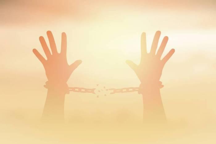 hands-breaking-chains.jpg.860x0_q70_crop-scale
